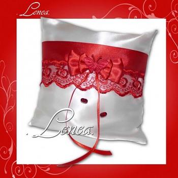 Kolekce 2010-červený polštářek