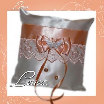 Kolekce 2010-broskvový polštářek