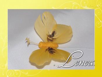 Motýl z peří-žlutý