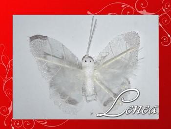 Dekorační motýl-bílé pírko