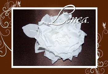 Květ do vlasů-růže s trojlistem