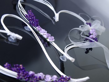 Ratanová srdíčka s fialkovými růžičkami